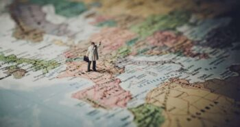 Pragmatic tips to start a business in a foreign country